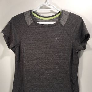 🐥3/$30: Old Navy Active Semi Fitted Tee Small